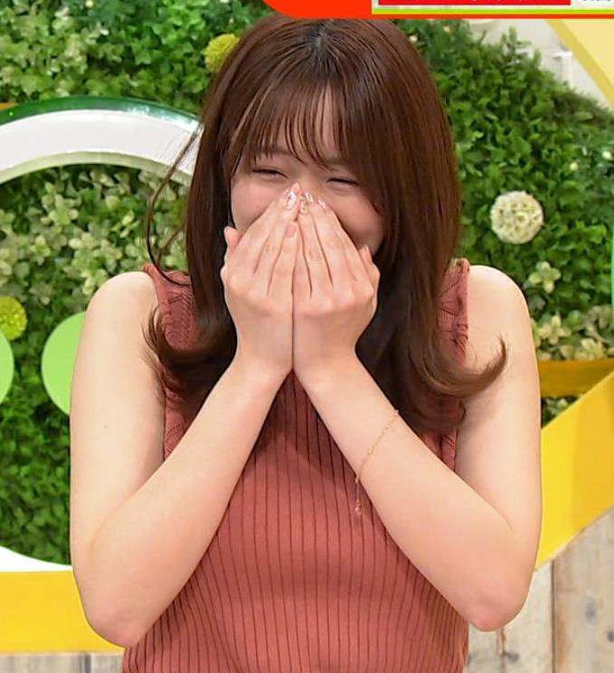 森香澄アナ ノースリーブのニットおっぱい♡がエロ過ぎるキャプ・エロ画像9
