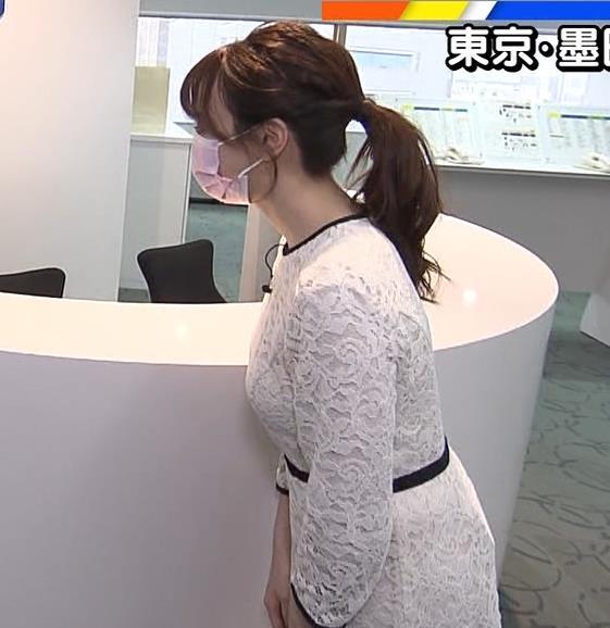 森香澄アナ 巨乳横乳キャプ・エロ画像3