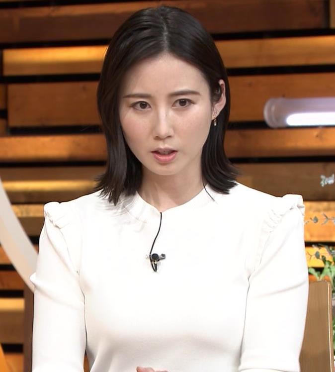 森川夕貴アナ おっぱい&机の下の脚キャプ・エロ画像4