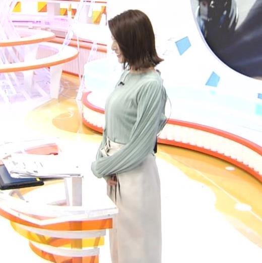 永島優美アナ 胸を張ったところキャプ画像(エロ・アイコラ画像)