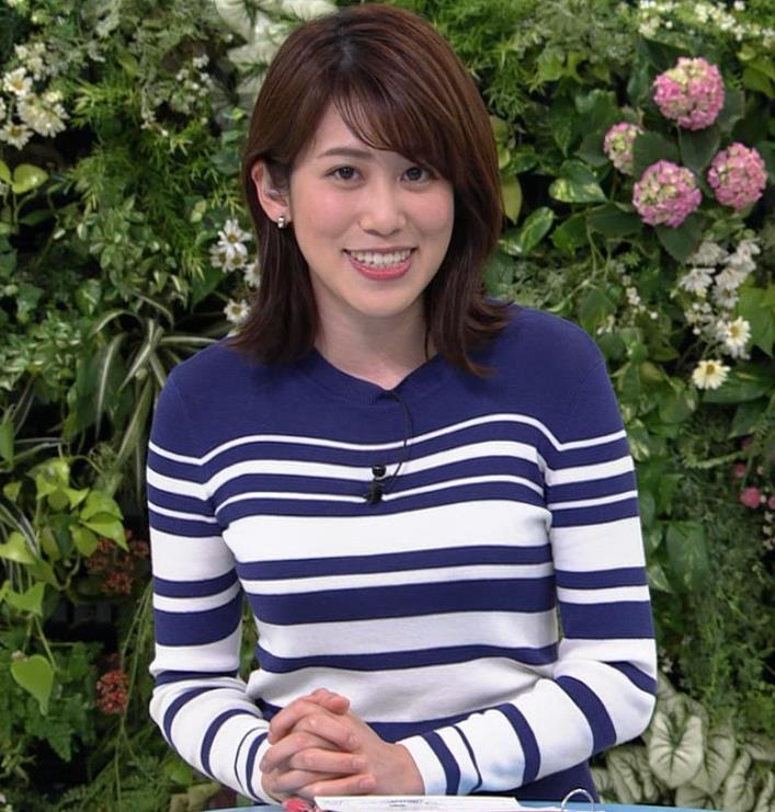 中川安奈アナ タイトなスカートのお尻キャプ・エロ画像8