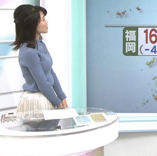 中山果奈アナ ニットおっぱいキャプ・エロ画像4