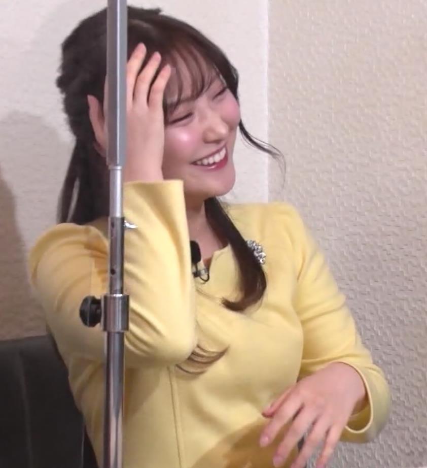 野村彩也子アナ おっぱいが際立つ衣装キャプ・エロ画像8