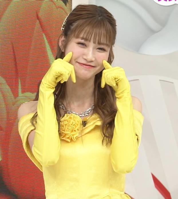 生見愛瑠 肩が露出したドレスキャプ・エロ画像12