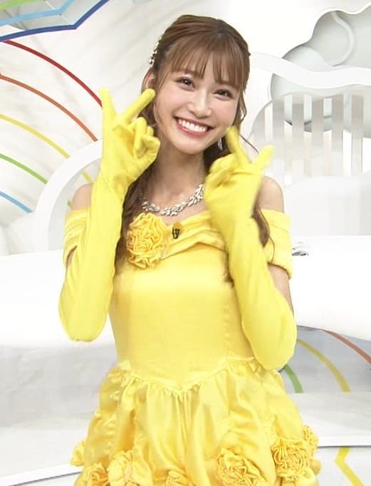 生見愛瑠 肩が露出したドレスキャプ・エロ画像5