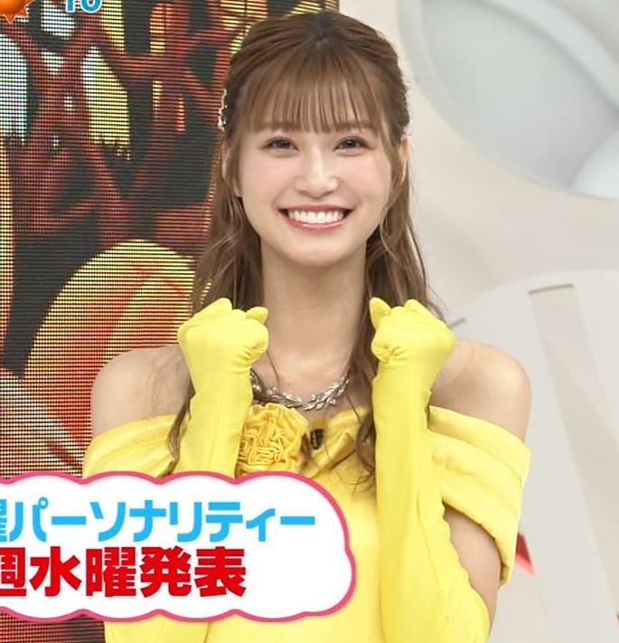 生見愛瑠 肩が露出したドレスキャプ・エロ画像10