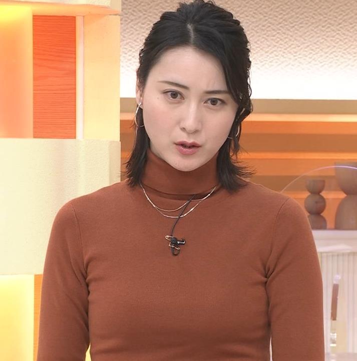 小川彩佳 ピチピチな衣装でおっぱいが大変な事に…キャプ・エロ画像10