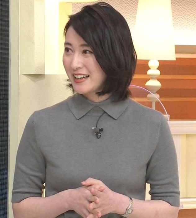 小川彩佳アナ おっぱい強調キャプ・エロ画像2