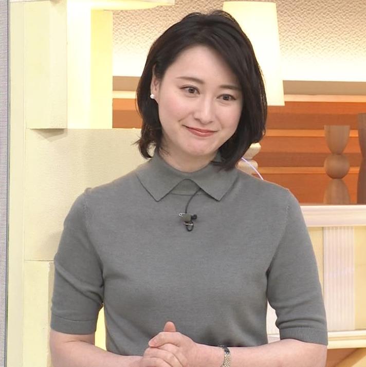 小川彩佳アナ おっぱい強調キャプ・エロ画像4