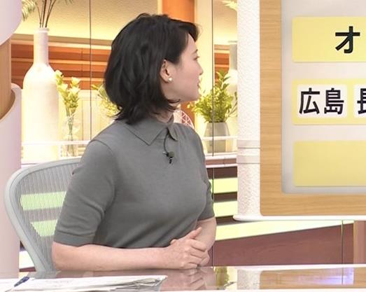 小川彩佳アナ おっぱい強調キャプ・エロ画像8