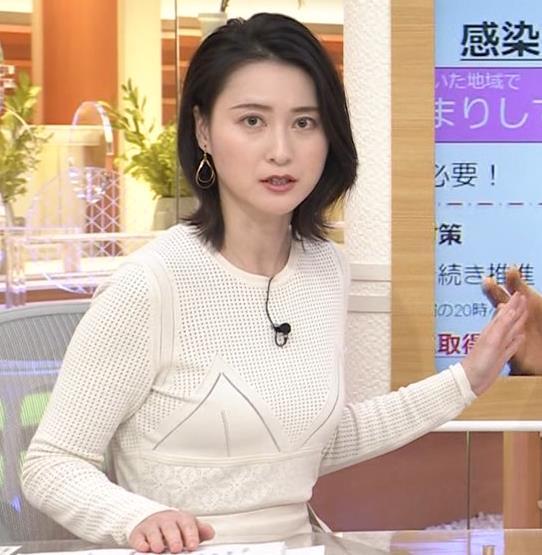 小川彩佳アナ タイトな衣装キャプ・エロ画像