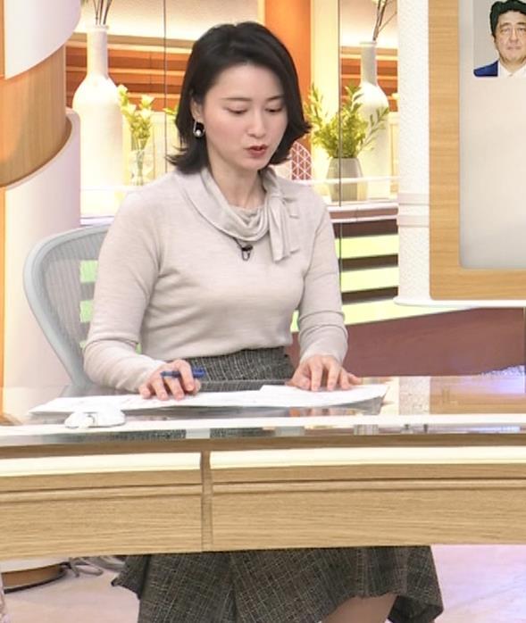 小川彩佳 形のいい横乳キャプ・エロ画像