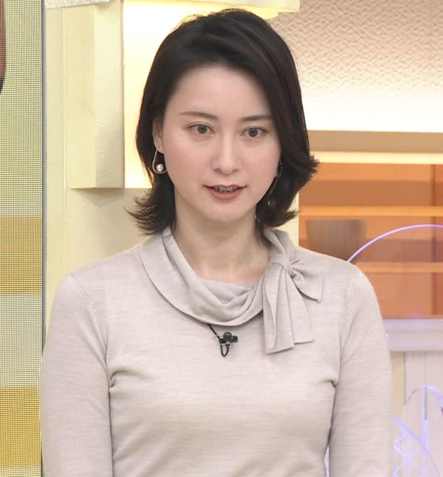 小川彩佳 形のいい横乳キャプ・エロ画像10
