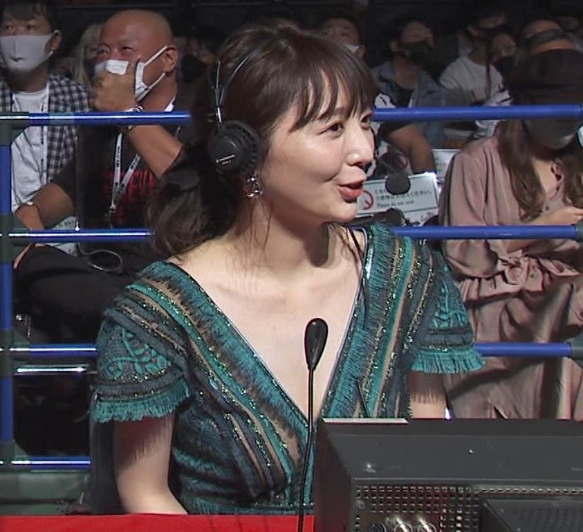 おのののか 格闘技中継での胸元露出ドレスキャプ・エロ画像5