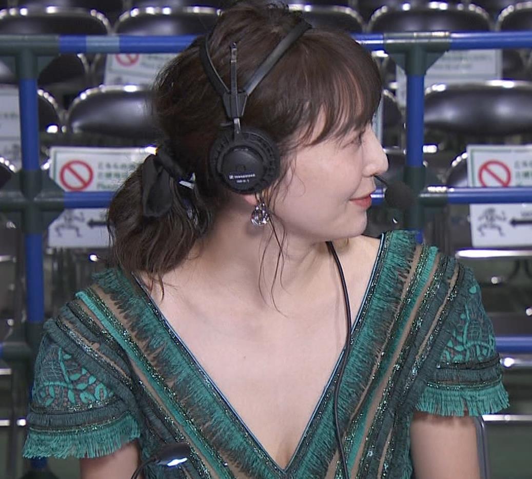 おのののか 格闘技中継での胸元露出ドレスキャプ・エロ画像10