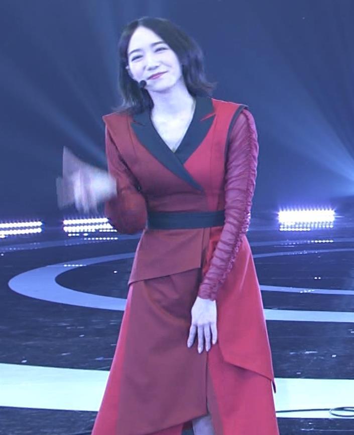 Pufumeのっち 紅白でちょっと胸チラキャプ・エロ画像11
