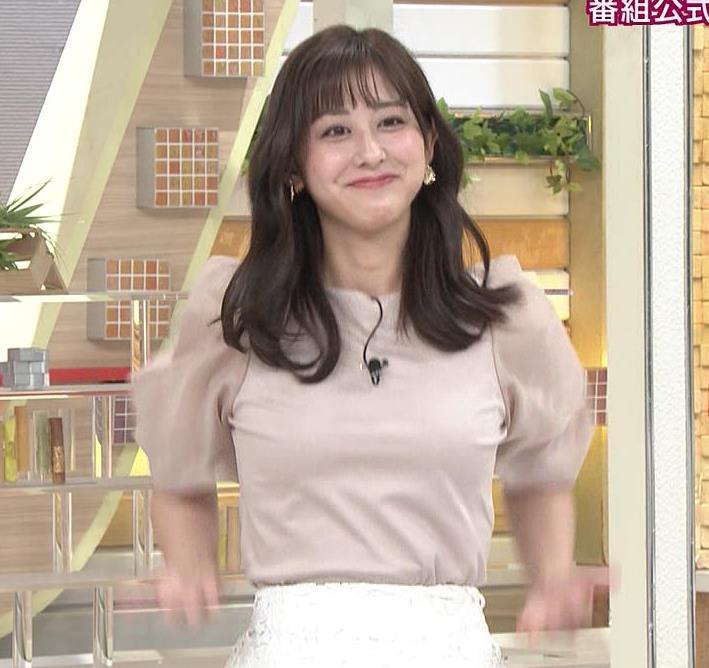 斎藤ちはるアナ 胸を張っておっぱいパツパツキャプ・エロ画像