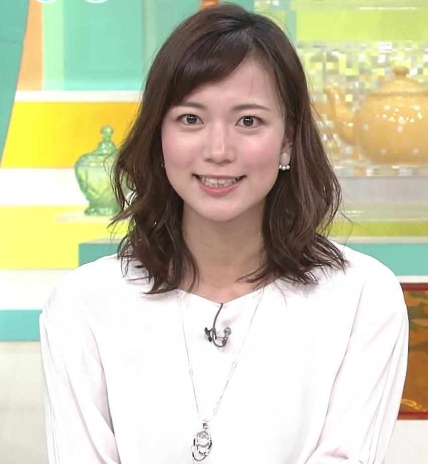 斎藤真美アナ ロングスカートキャプ・エロ画像3