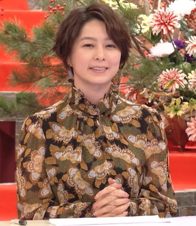 杉浦友紀アナ ゆったり衣装キャプ・エロ画像