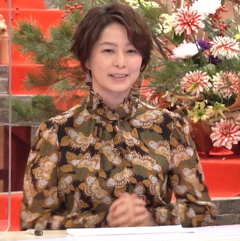 杉浦友紀アナ ゆったり衣装キャプ・エロ画像2