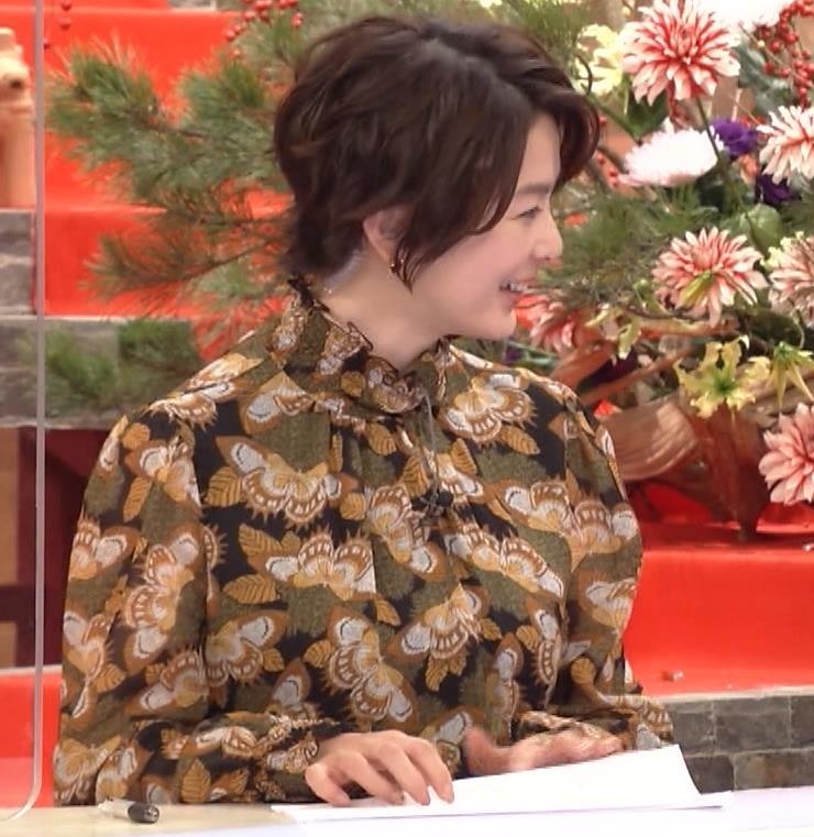 杉浦友紀アナ ゆったり衣装キャプ・エロ画像3