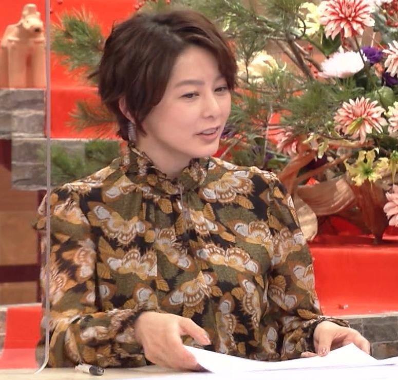 杉浦友紀アナ ゆったり衣装キャプ・エロ画像5