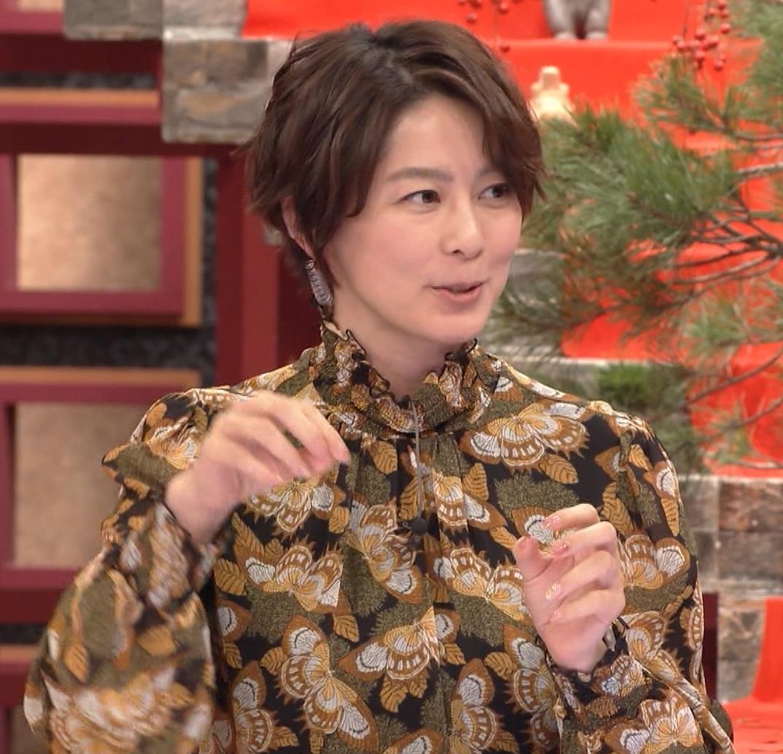 杉浦友紀アナ ゆったり衣装キャプ・エロ画像6