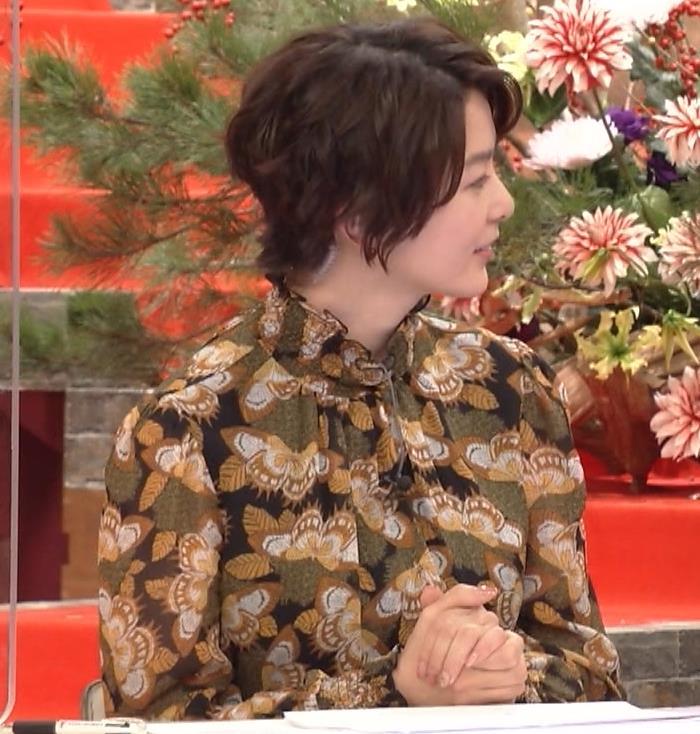 杉浦友紀アナ ゆったり衣装キャプ・エロ画像8