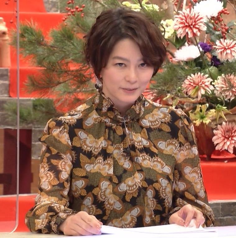 杉浦友紀アナ ゆったり衣装キャプ・エロ画像10