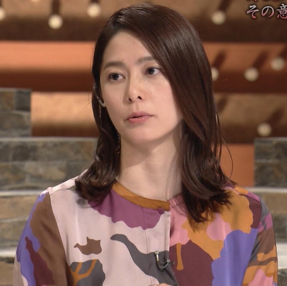 杉浦友紀アナ ゆったりした服でも巨乳が主張してるキャプ・エロ画像13