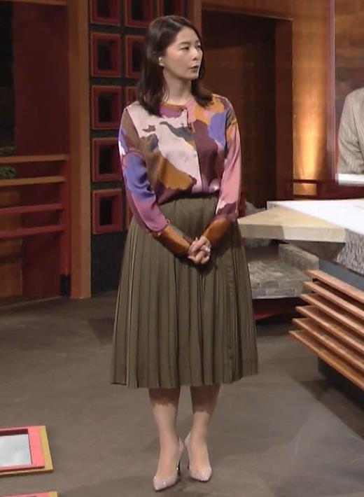 杉浦友紀アナ ゆったりした服でも巨乳が主張してるキャプ・エロ画像4