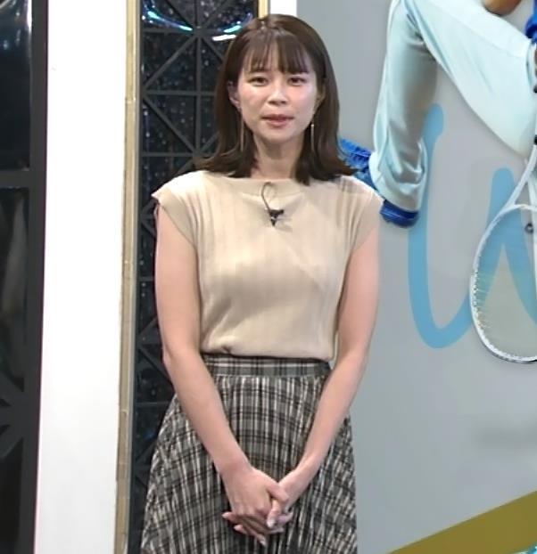 鈴木唯アナ ノースリーブ・ワキちらキャプ・エロ画像