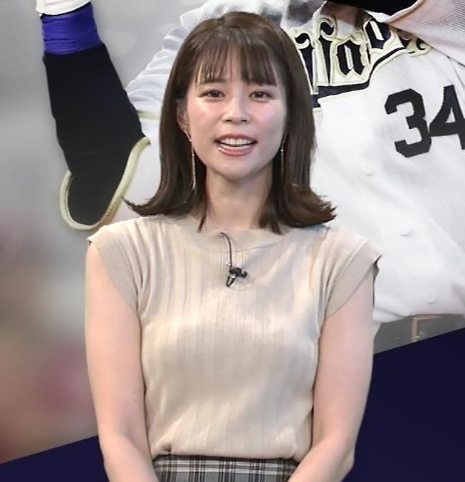 鈴木唯アナ ノースリーブ・ワキちらキャプ・エロ画像6
