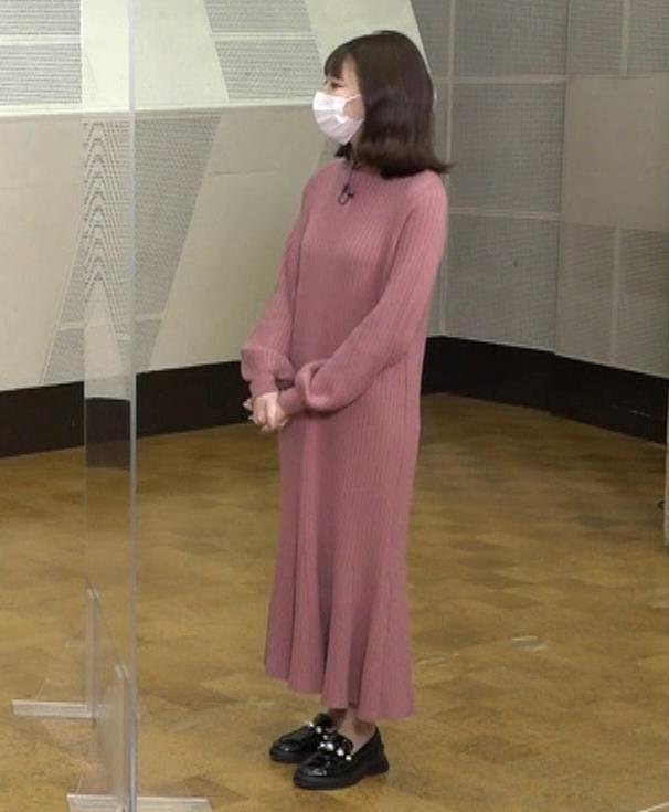 鈴木唯アナ ニットのワンピース姿キャプ・エロ画像3