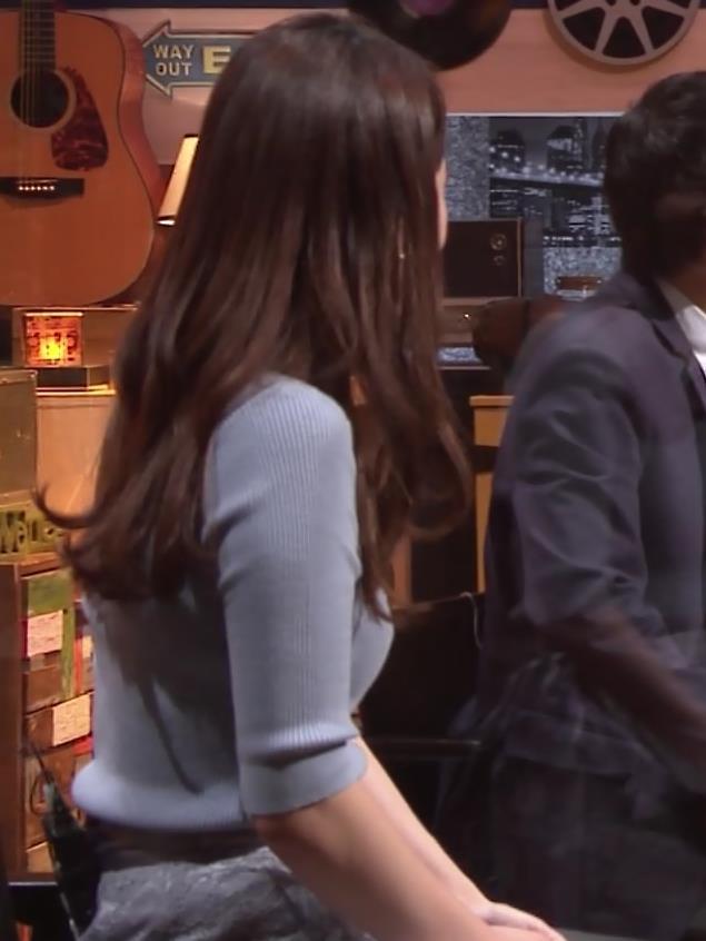 竹崎由佳アナ とてもいい感じのニットおっぱい♡キャプ・エロ画像10