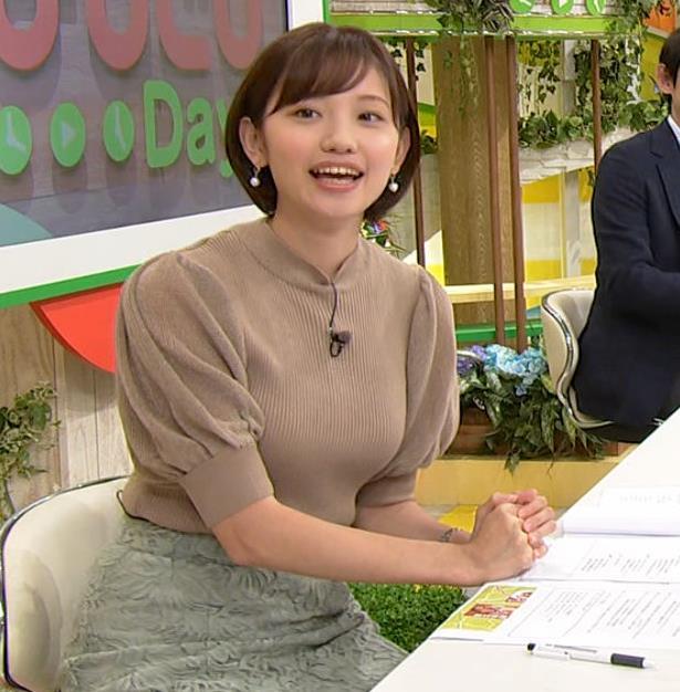田中瞳アナ ニットおっぱいキャプ・エロ画像7