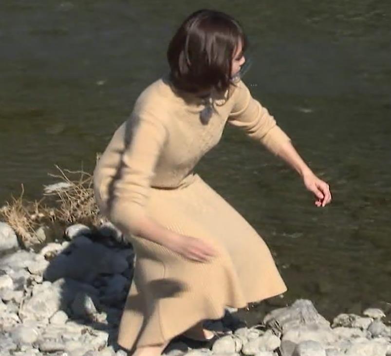 田中瞳アナ ワンピースお尻キャプ・エロ画像11