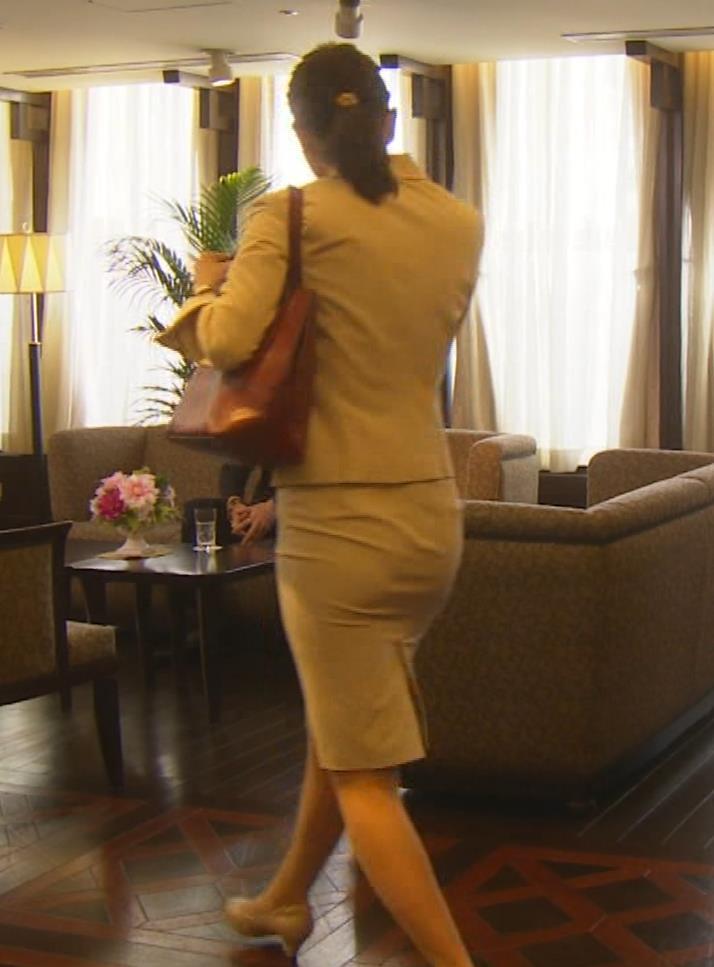 内田理央 パンツスタイルにタイトスカート!お尻がエロい刑事ドラマキャプ・エロ画像17