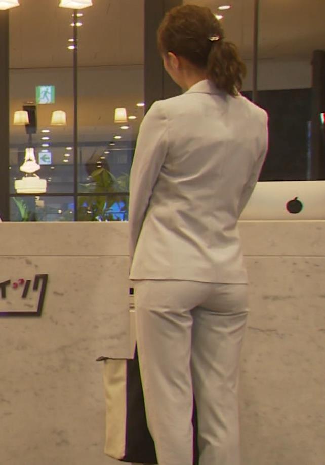 内田理央 パンツスタイルにタイトスカート!お尻がエロい刑事ドラマキャプ・エロ画像7