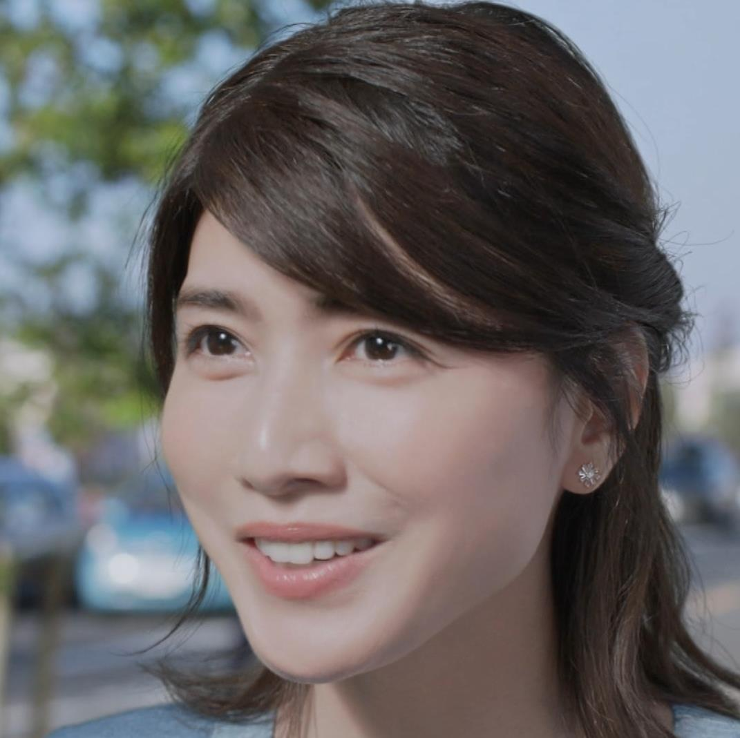 内田有紀 胸のふくらみキャプ・エロ画像5
