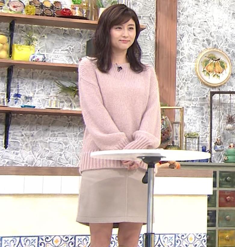 宇賀なつみ パンチラ生放送キャプ・エロ画像