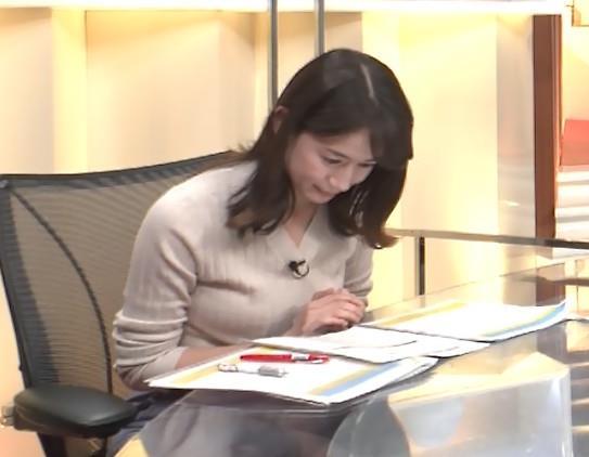 宇内梨沙アナ ニットおっぱいキャプ・エロ画像