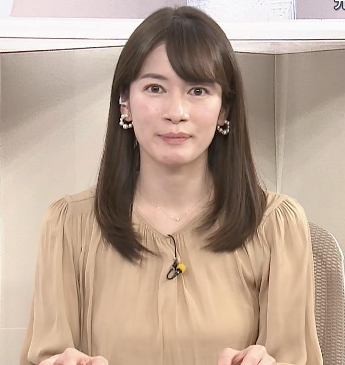 宇内梨沙アナ サンデーニュース Bizスクエアキャプ・エロ画像5