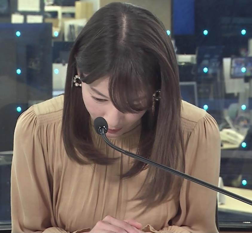 宇内梨沙アナ ちょいエロ衣装キャプ・エロ画像2