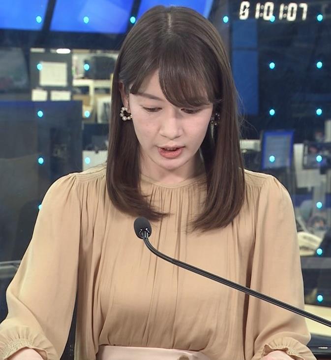 宇内梨沙アナ ちょいエロ衣装キャプ・エロ画像4