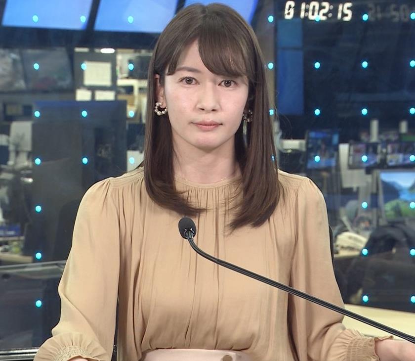 宇内梨沙アナ ちょいエロ衣装キャプ・エロ画像5