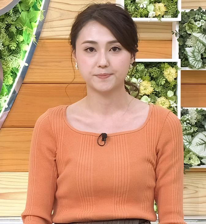 山形純菜アナ ニットおっぱい、横乳キャプ・エロ画像5