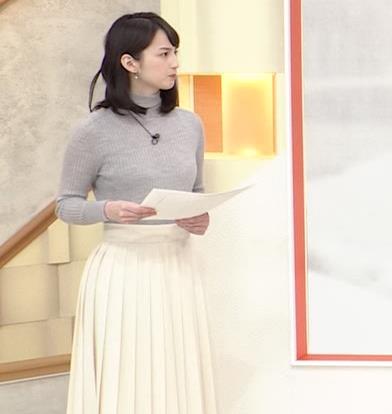 山本恵里伽 美人アナのエッチなニットおっぱいキャプ・エロ画像9