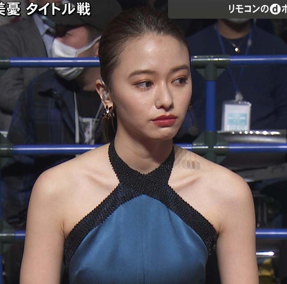 山本舞香 露出度の高いドレスキャプ・エロ画像