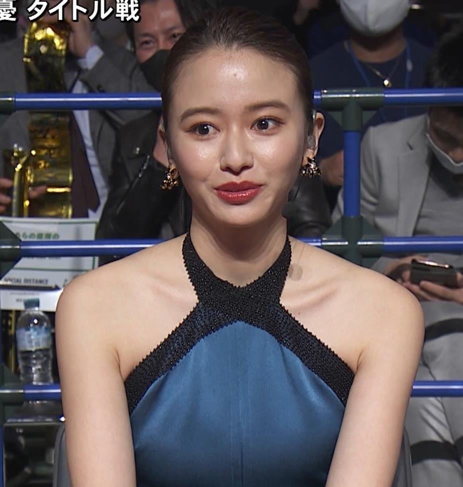 山本舞香 露出度の高いドレスキャプ・エロ画像5